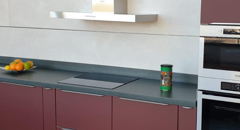 Lee más sobre el artículo Whirlpool Inox en mobiliario óxido rojo
